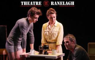 Charlotte Lequesne (promotion 2011) dans La maladie de la famille M, de Fausto Paradivino, le 12 mai au théâtre Ranelagh